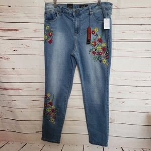 New with tags Earl embroidered floral denim jeans
